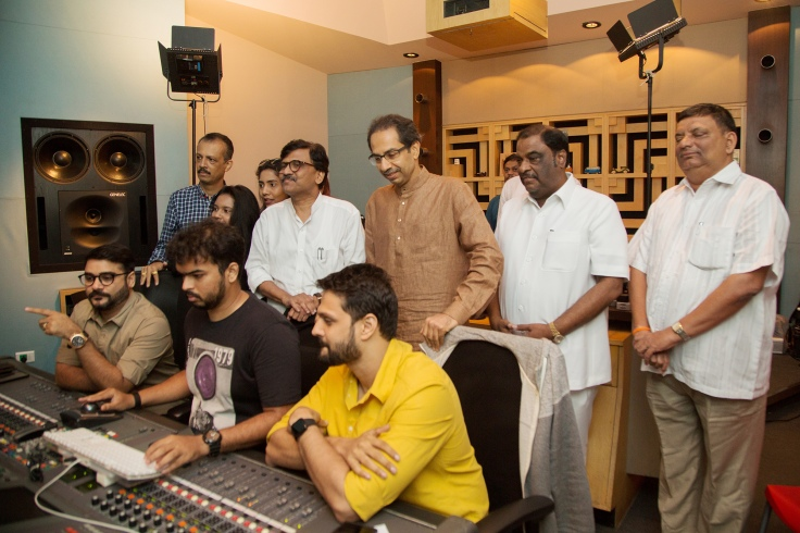 Uddhav Thackeray, Sanjay Raut, Rohan-Rohan, Purvashi Raut and Vidhita Raut at Sanjay Raut's movie Thackeray's song recording